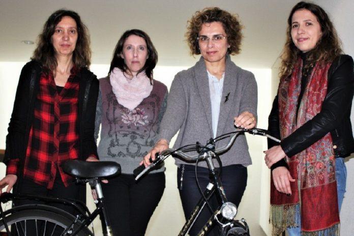 Nélia Silva, Eloísa Macedo, Nargarida Coelho e Mariana Coelho, investigadoras da UA, envolvidas no desenvolvimento de um modelo matemático que prevê acidentes com ciclistas e peões.