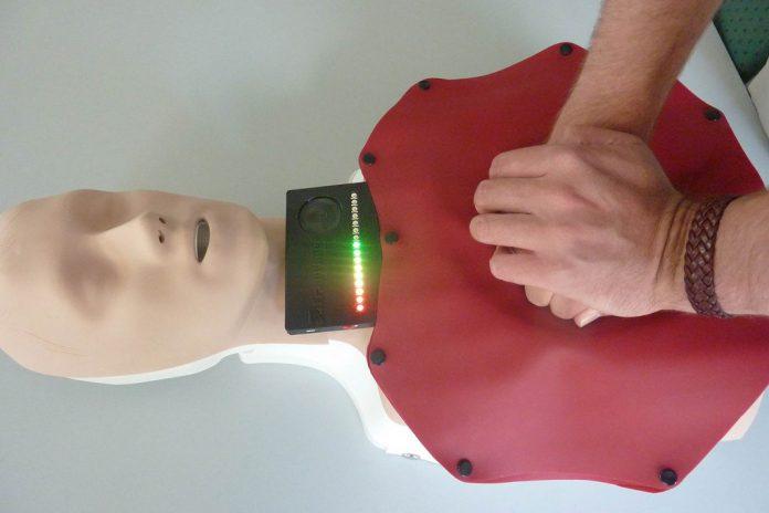 Tapete de reanimação para salvar pacientes de ataque cardíaco