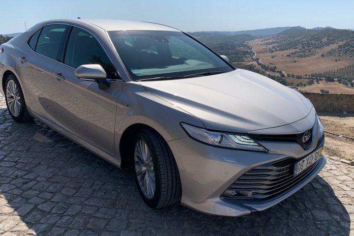 Toyota Camry 2.5 em análise