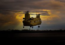 Boeing moderniza frota de Espanha com helicópteros Chinook CH-47F