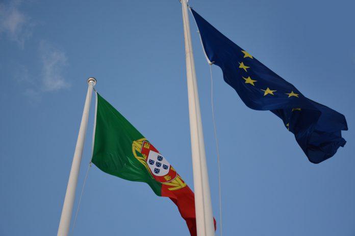 Europeus confiam mais na União Europeia que nos Governos e Parlamentos nacionais