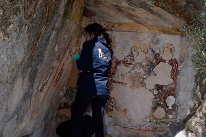 """Ermitério de """"Os Santos"""", situado entre as freguesias de Picote e Sendim, no concelho de Miranda do Douro, está a ser restaurado. A intervenção é da responsabilidade Direção Regional de Cultura do Norte."""