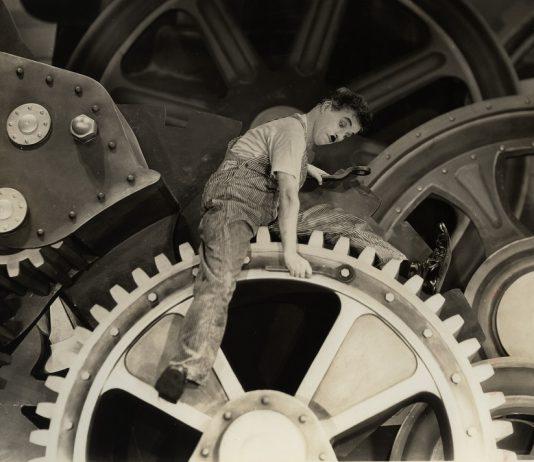 "Gulbenkian Música exibe ""Tempos Modernos"" de Chaplin com Orquestra ao vivo"