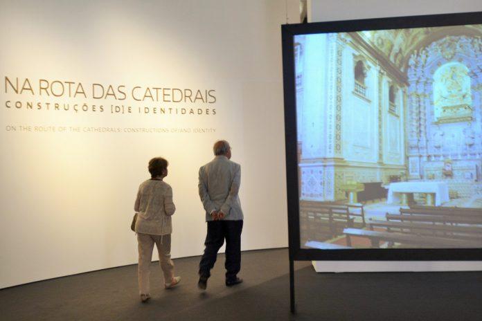 """Exposição """"Na Rota das Catedrais"""" distinguida com prémio APOM"""