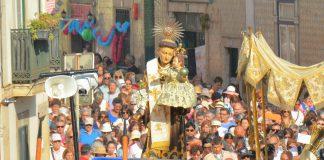 Procissão de Santo António pelas ruas de Alfama
