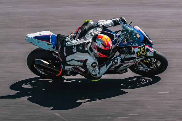 Rui Marto com a nova BMW S1000RR no Estoril
