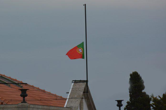 Luto Nacional dia 5 de outubro em homenagem a Freitas do Amaral
