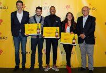 """Luís Fonseca vence concurso """"Mistura Beirão"""" com cocktail """"Bérrio"""""""