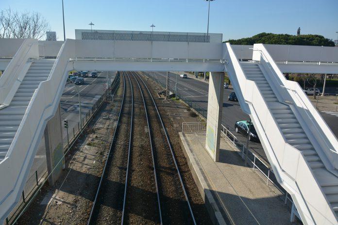 Nova Ponte Pedonal junto ao Museu Nacional dos Coches, em Belém, já está aberta