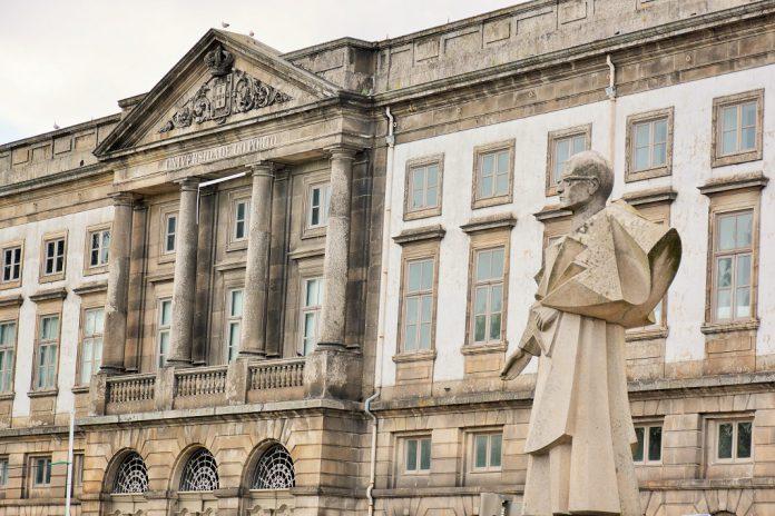 Coronavírus: Universidade do Porto passa para o ensino à distância