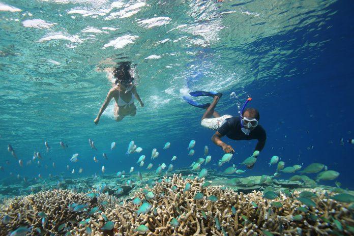 Estância turística oferece casamentos de baixo de água