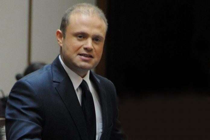 Parlamento Europeu pede a demissão imediata do Primeiro-ministro de Malta