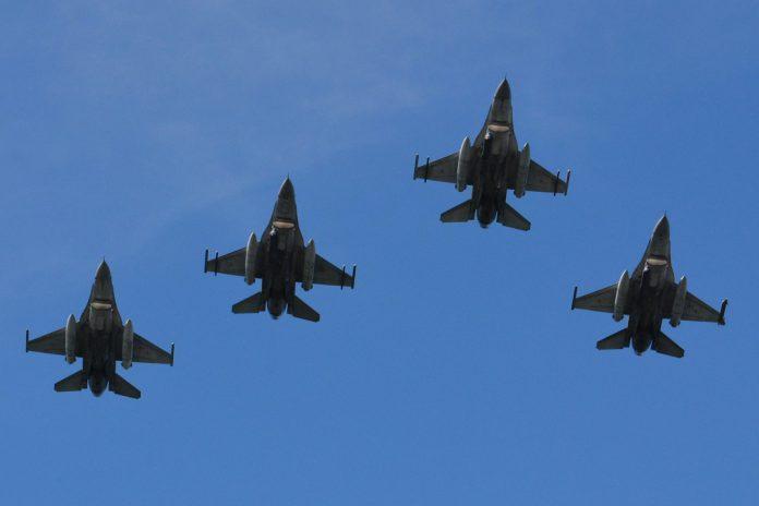 Força Aérea prepara cinco F16 para alienar à Roménia