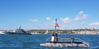 Drone marítimo inovador construído pela Marinha faz primeiro teste com sucesso