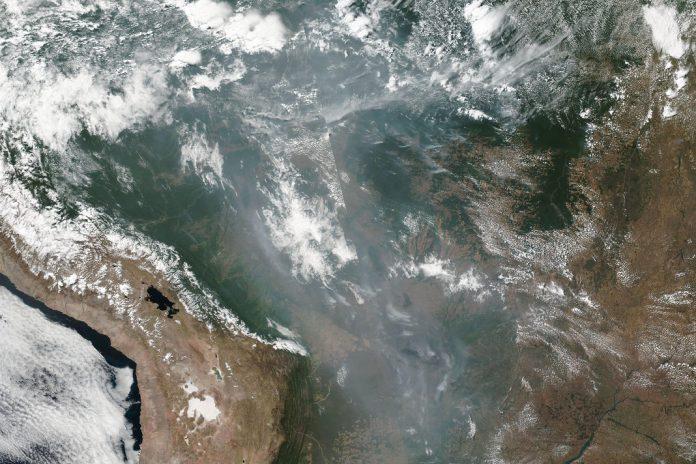 Amazónia: Incêndios na floresta tropical brasileira em imagens da NASA