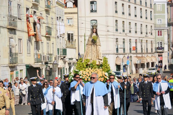 Procissão da Nossa Senhora da Saúde leva povo de Lisboa ao Martin Moniz