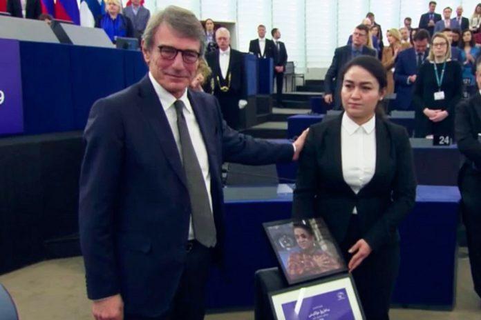 Prémio Sakharov atribuído ao ativista uigure Ilham Tohti