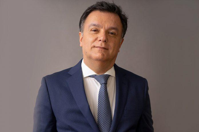 João Brum Silveira reeleito presidente da Associação dos Cardiologistas