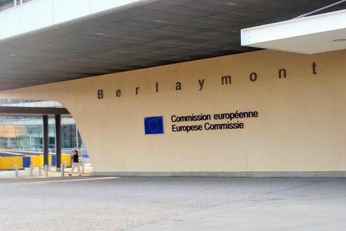 Comissão Europeia quer facilitar comércio de produtos de cuidados de saúde