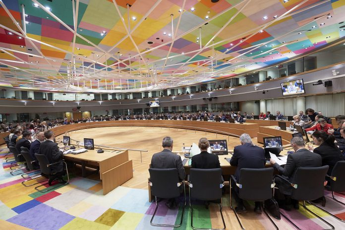 União Europeia mantém sanções económicas à Rússia
