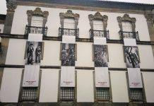 Largo do Paço e Biblioteca Pública, em Braga, com imagens do 25 de Abril