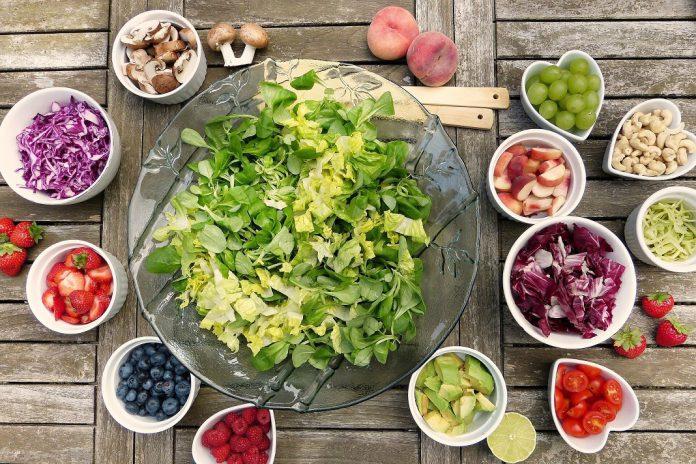Alerta: Alimentação saudável é uma arma contra a COVID-19