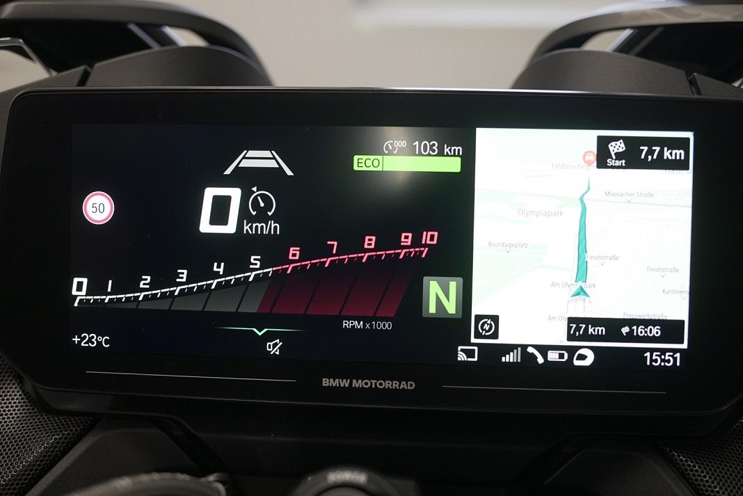Uma nova mota BMW R 1250 RT