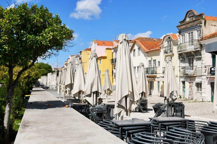 Começou hoje a entrega de apoio de fundo perdido ao comércio e restauração de Lisboa