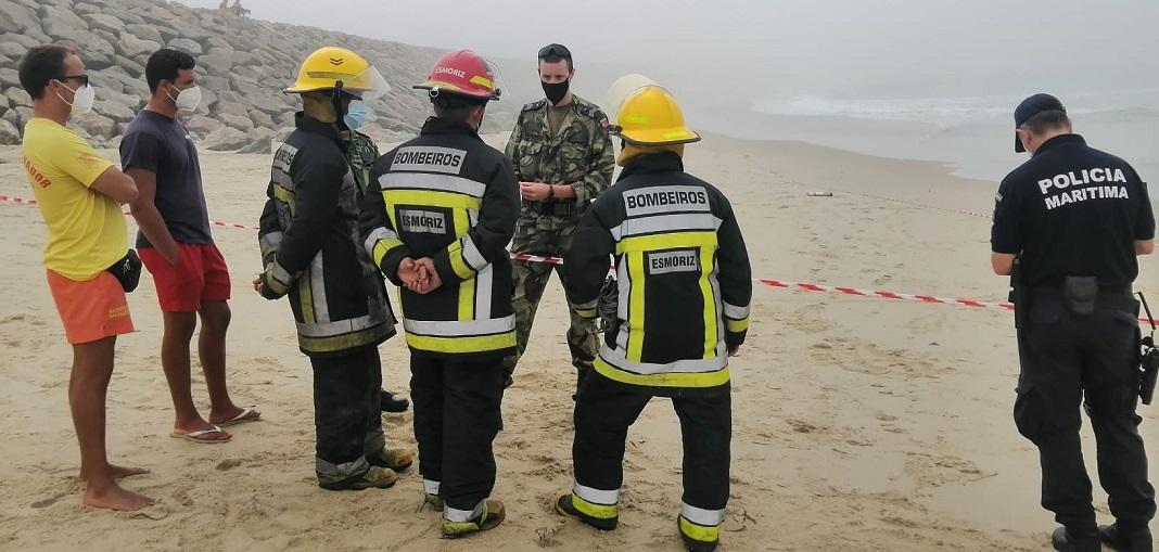 Engenho descoberto na praia de Esmoriz inativado pela Marinha