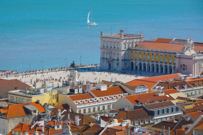 Parlamento Europeu propõe maior apoio às empresas do setor do turismo