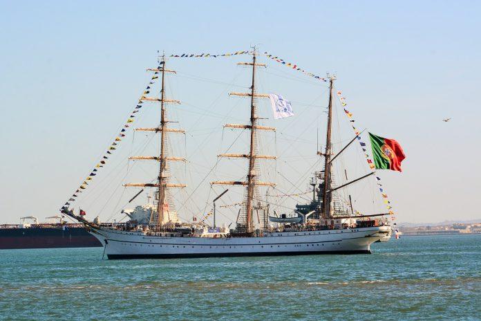 Navio-Escola Sagres interrompe viagem pelo mundo e regressa a Lisboa