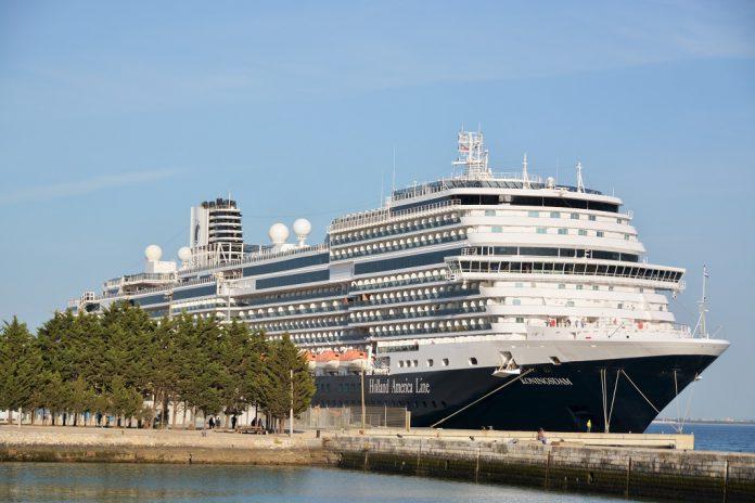 Proibido desembarque de passageiros e tripulantes dos navios de cruzeiro