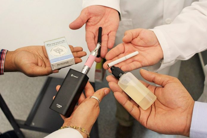 Fumadores tem risco aumentado de AVC quando sofrem de COVID-19