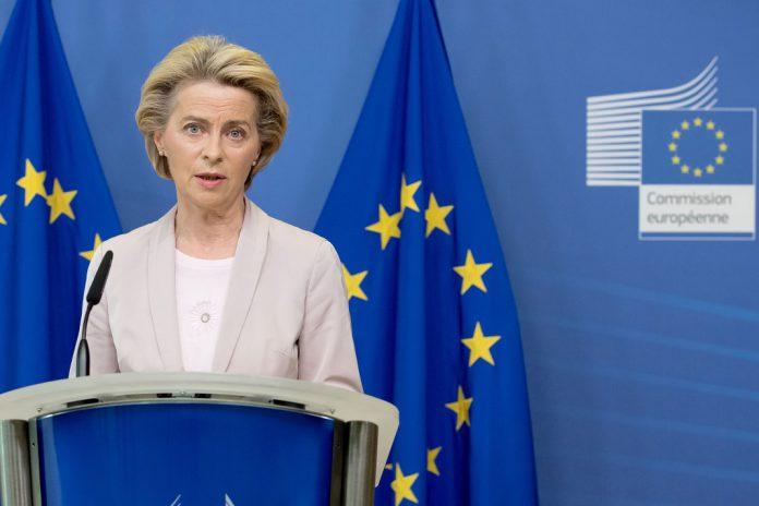 Mairead McGuinness é a escolha de Ursula von der Leyen para Comissária