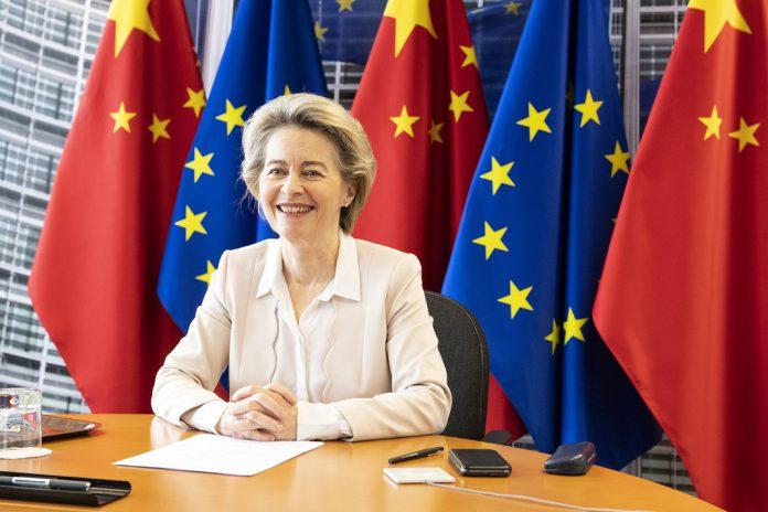 União Europeia e a China concluem princípio de Acordo de Investimentos