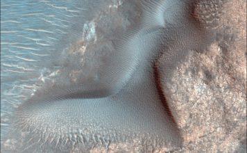 Cientistas observam ondas gigantes de areia em movimento no planeta Marte
