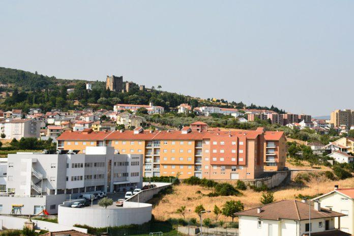 Autarquia de Bragança apoia alojamento de famílias
