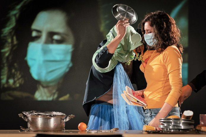 Espetros de Ibsen estreia no Teatro Carlos Alberto no Porto