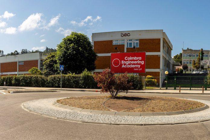 Instituto Superior de Engenharia de Coimbra e a Huawei implementam ICT Academy