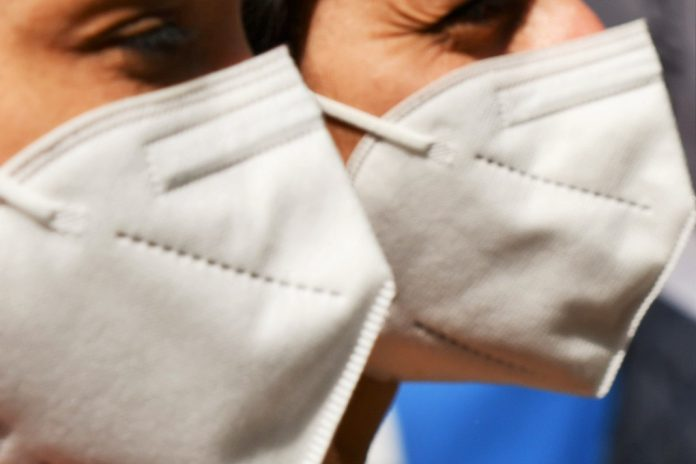 Saliva pode ser mais eficaz que zaragatoas nasofaríngeas nos testes COVID-19