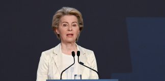 Ursula von der Leyen define metas na Cimeira Social do Porto