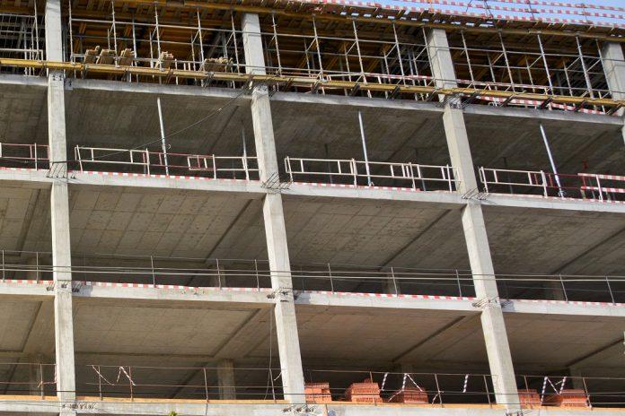Setor da construção sobe na União Europeia e desce 0,2 % em Portugal